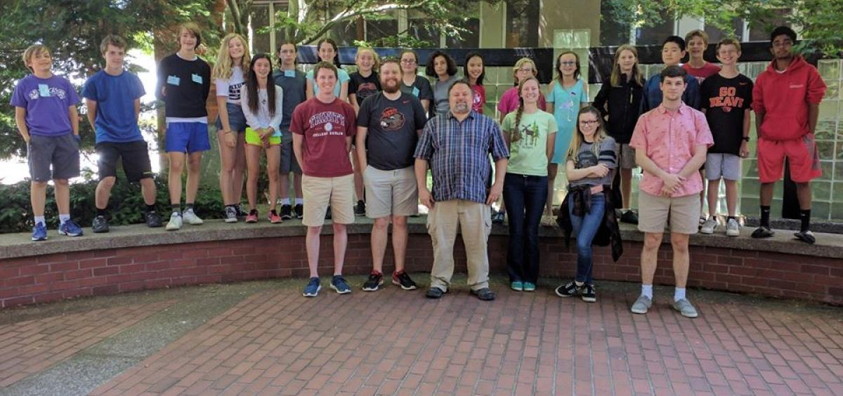 Professor Dave Hendrix leads a STEM Academy middle school summer camp in computational biology.